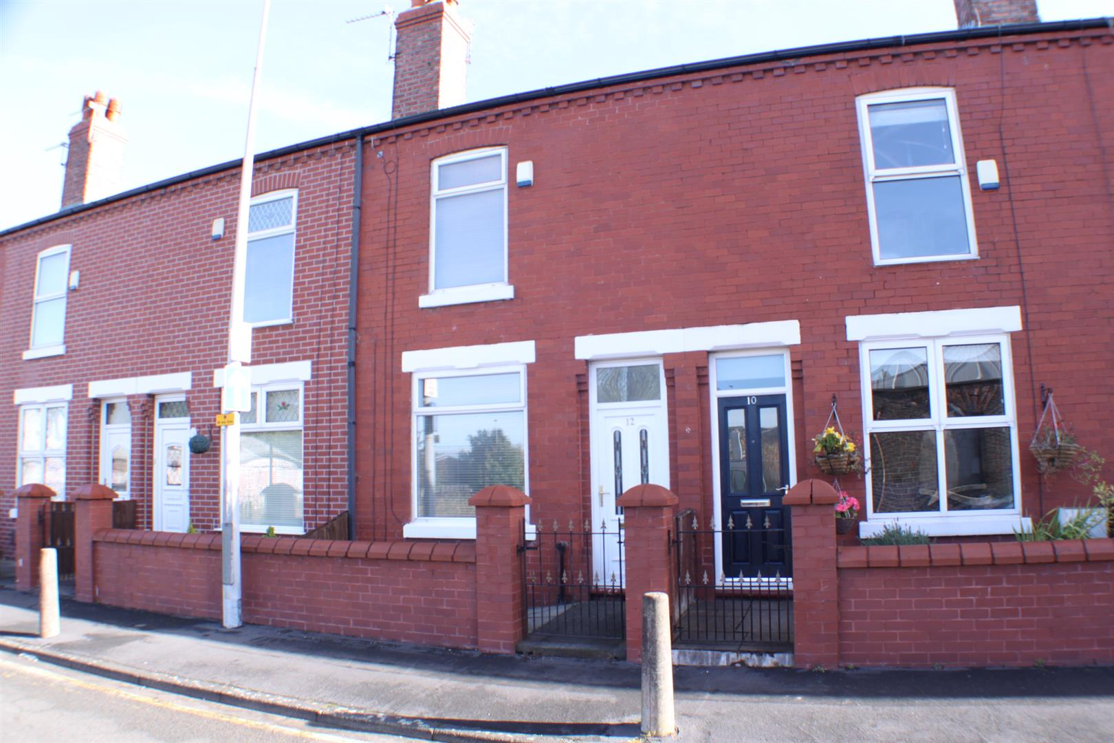 2 Bedrooms Terraced House for sale in Legh Street, Eccles, Manchester